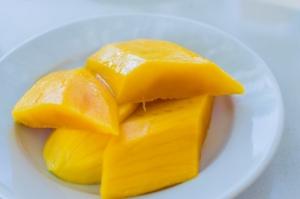 frische mango für smoothie